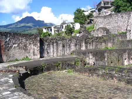 06_Martinique_St_Pierre_Volcano_Burntout_Theatre_9675.jpg