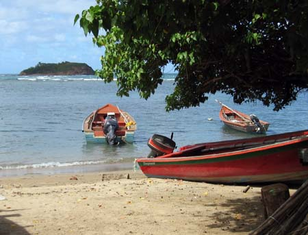46_Martinique_boats_on_beach.jpg