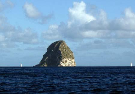 06_Diamond_Rock_Martinique.jpg