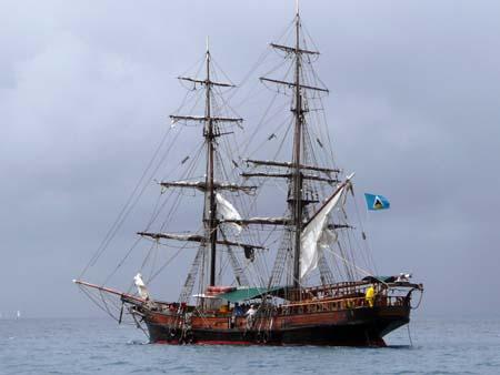 03_Pirate_Ship_Rodney_Bay.jpg