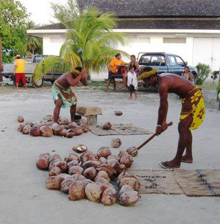 11_Coconut_Shelling_Men.jpg