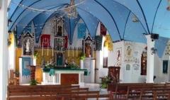 04_Inside_Church_Rotoava.jpg