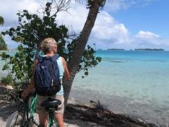 04 Cycling around the island.jpg