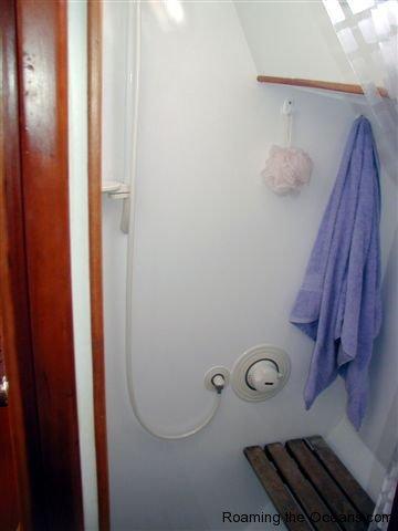 06_shower.JPG