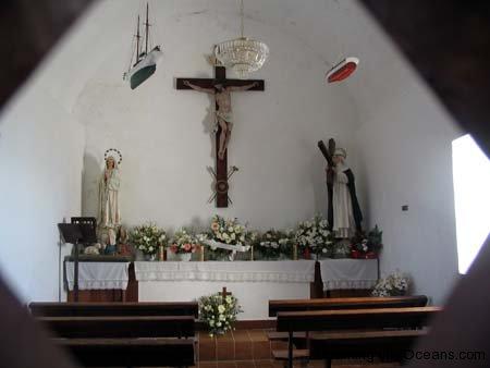 15_Laxe_Santa_Rosa_Chapel_Inside_94.jpg