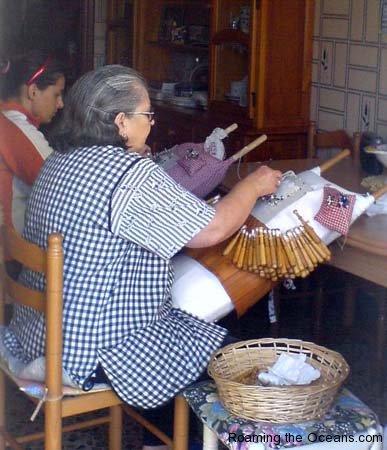 05_Camarinas_lace_making_99.jpg